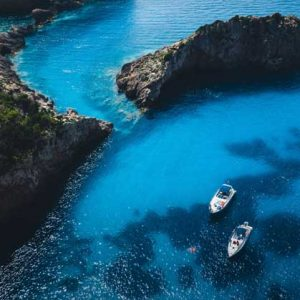 Vehicles, boats & yachts rentals